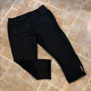 Reebok cropped compression leggings size large